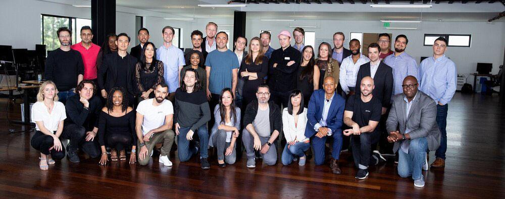 Босова нет на групповом фото Genius Fund, но он платил этим калифорнийцам высокие зарплаты. Фото © Geniusequity