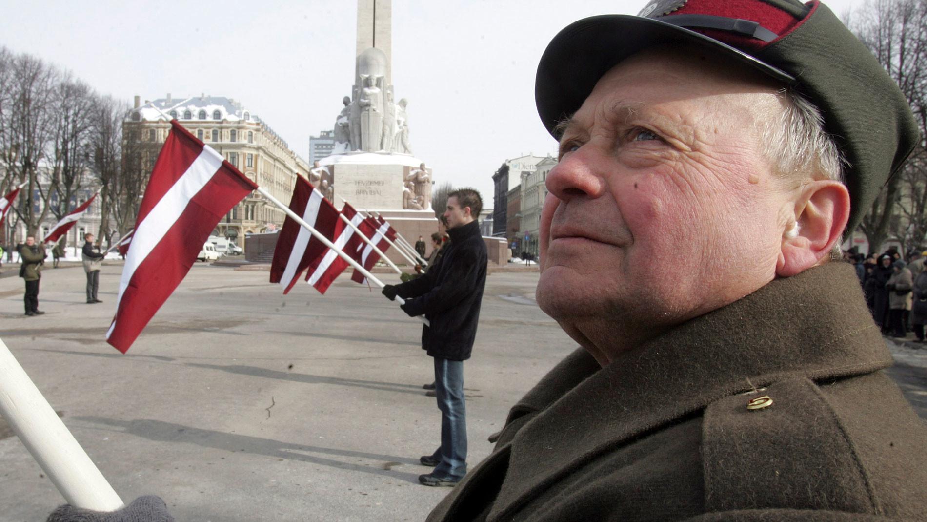 Ежегодный марш ветеранов СС в Риге. Фото © AP Photo / Mindaugas Kulbis