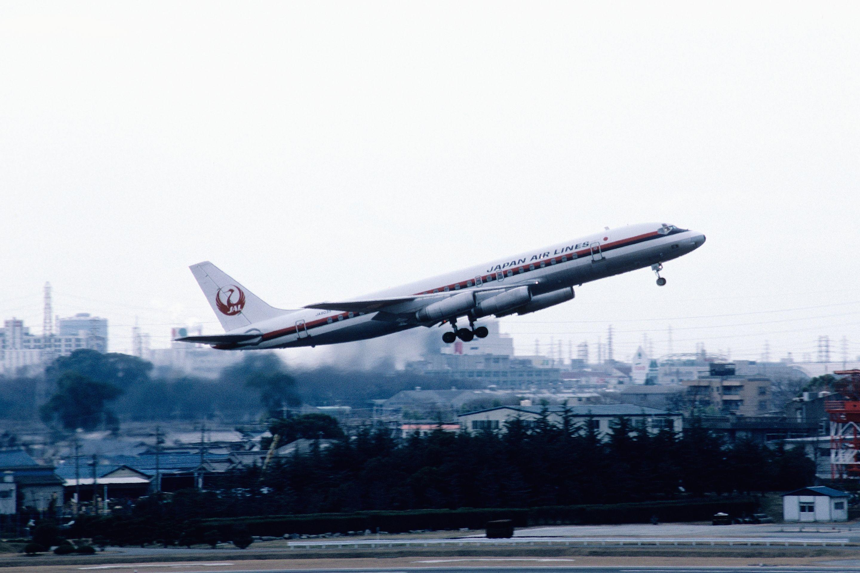 Взлёт DC-8-62 компании Japan Airlines. Фото © Википедия