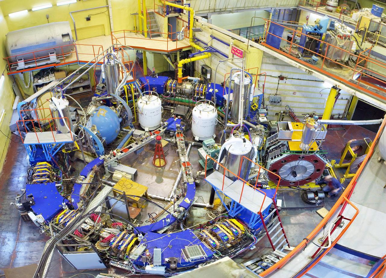 """Электрон-позитронный коллайдер ВЭПП-2000 в Новосибирске. Фото © Официальный сайт """"ВЭПП-2000"""""""