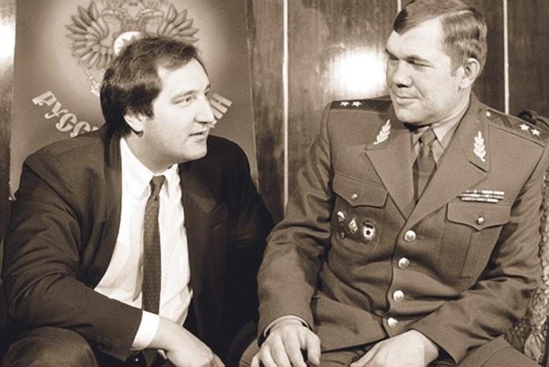 Рогозин и Лебедь. Фото © Twitter / Василий Андреев