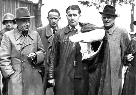 Вернер фон Браун после сдачи в плен в 1945 году. Фото © Wikipedia