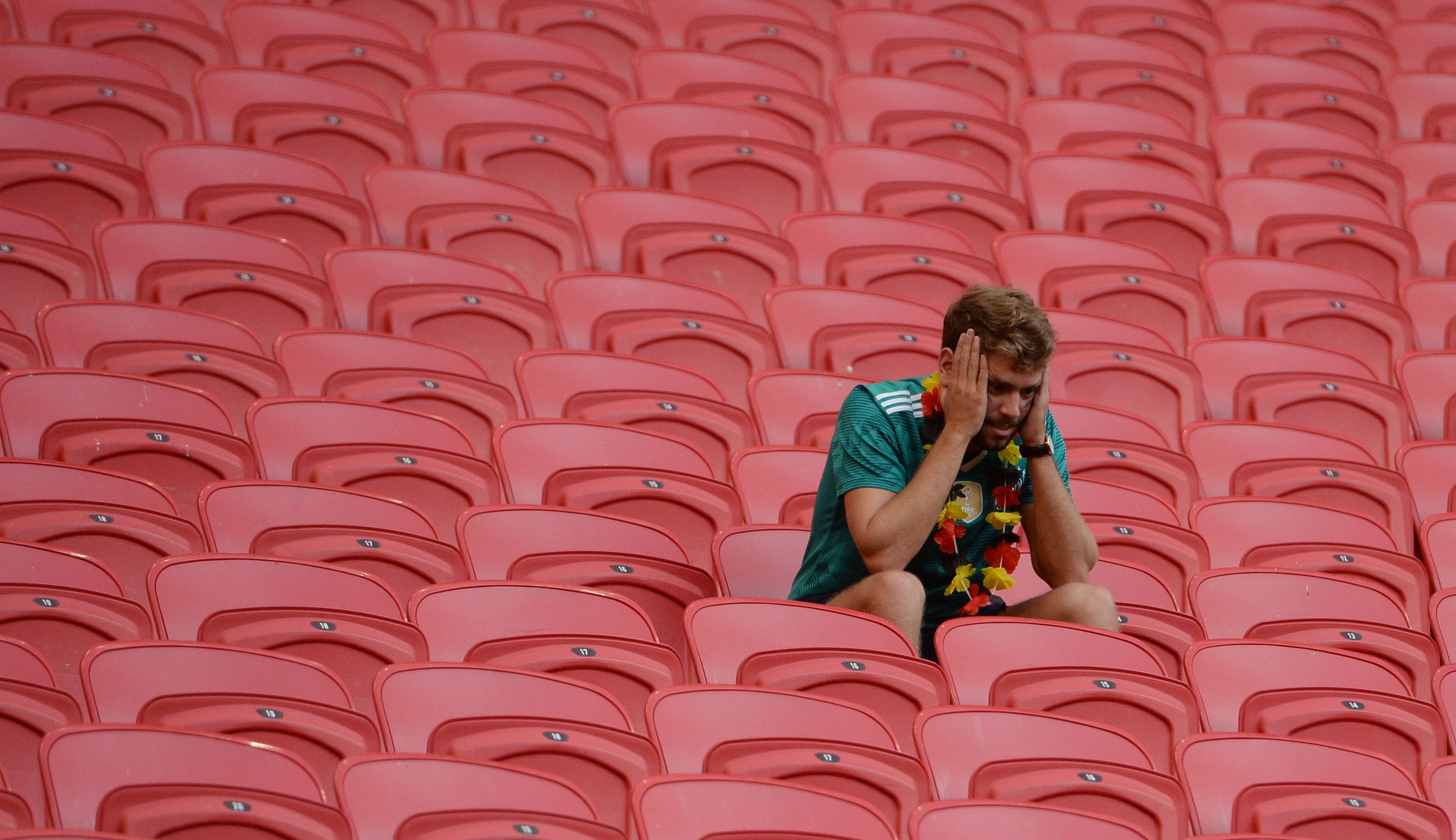 Эмоции немецких болельщиков, которые привыкли к победам своей сборной, описать нельзя. Ревели все! Фото: © РИА Новости/Максим Богодвид