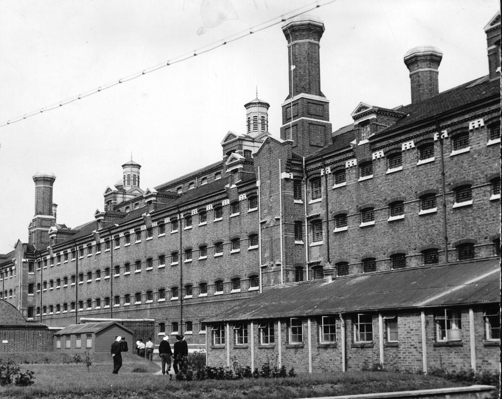 Тюрьма, из которой сбежал Джордж Блейк. Фото © Dennis Oulds / Central Press / Getty Images
