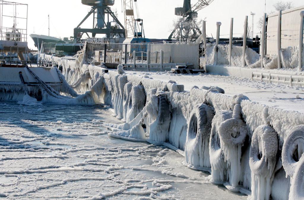 Евпатория зимой 2012 года. Фото ИТАР-ТАСС / Алексей Павлишак
