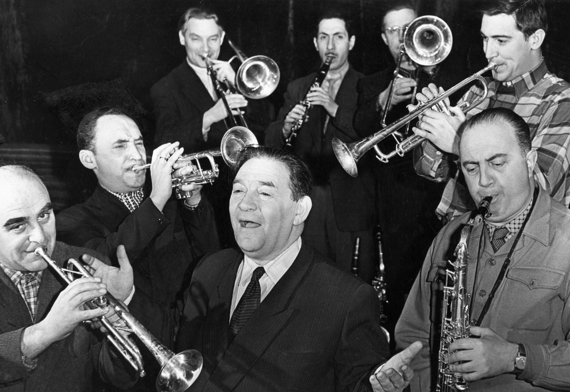 Леонид Утёсов с эстрадным оркестром РСФСР, 1950-е годы. Фото: © EAST NEWS