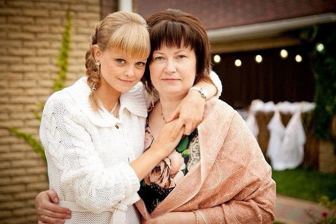 Мать и дочь. Фото © VK