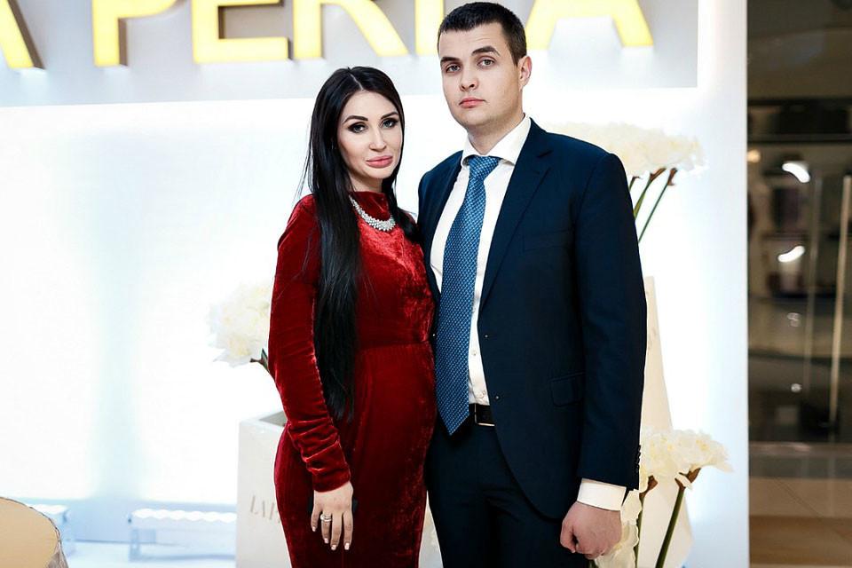 Кирилл Хахалев с женой Анастасией. Фото © elenahahaleva.com
