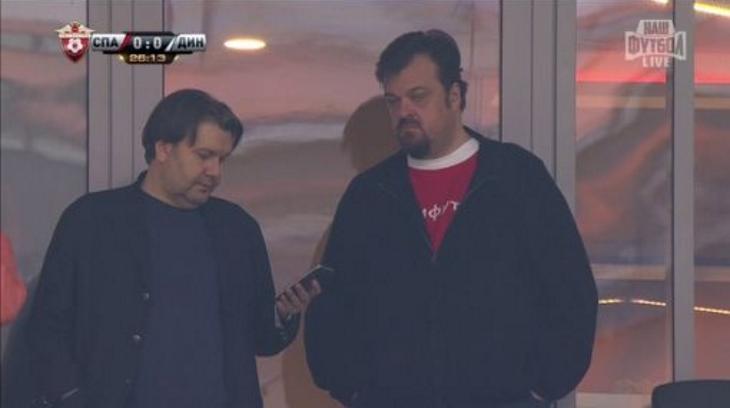 Ткаченко и Уткин на футболе. Скриншот