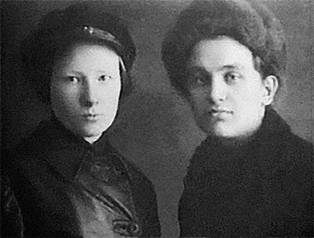 Мильда Драуле и Леонид Николаев. Фото © Wikipedia