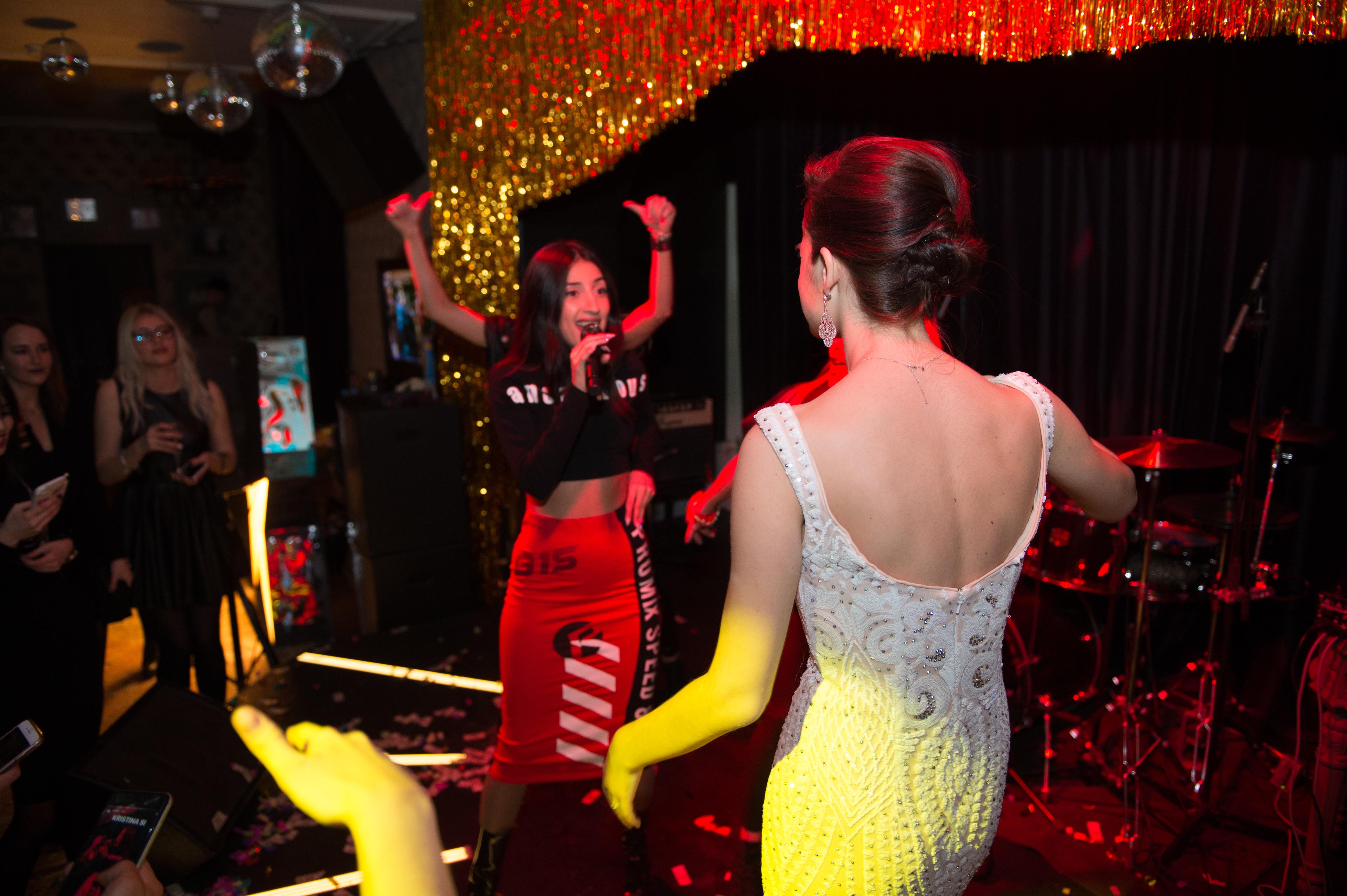 Kristina Si дала часовой концерт в честь дня рождения дочки певицы Славы Фото: LIFE