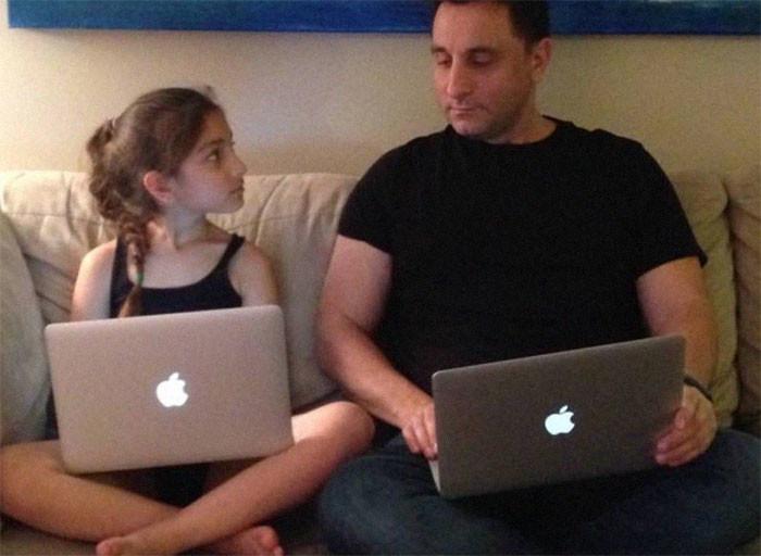 Фото © Reddit / courosa Алек Курос и его дочь в 2014 году