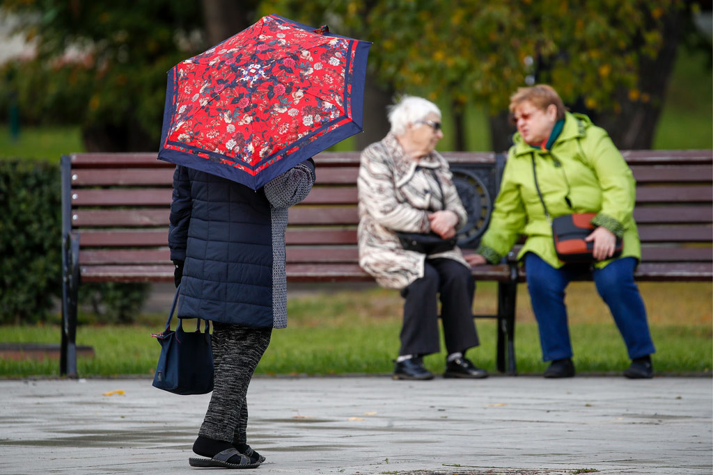 Неработающим пенсионерам выплатят по 10 тысяч рублей
