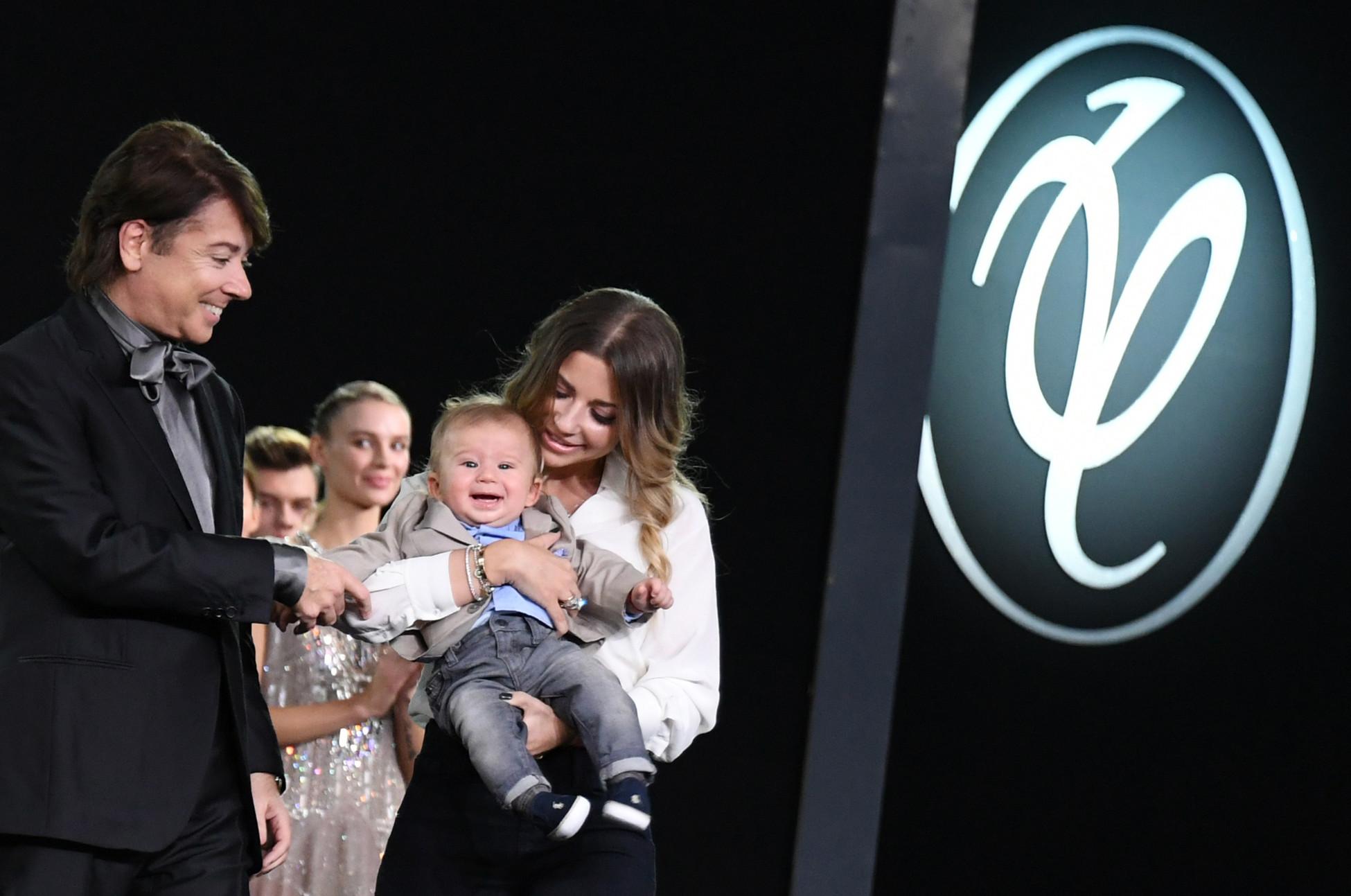 Валентин Юдашкин с дочерью Галиной и внуком Анатолием Фото: РИА Новости/Екатерина Чеснокова