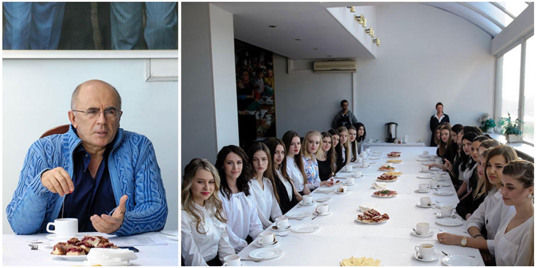 Запесоцкий и его студентки. Фото © Санкт-Петербургский гуманитарный университет профсоюзов