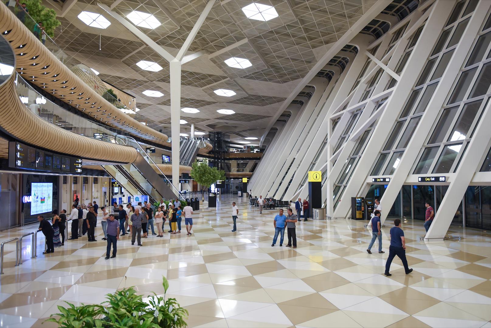 "Вестибюль Международного аэропорта имени Гейдара Алиева в Баку. Фото: © Sputnik / РИА ""Новости"" / Мурад Оруджев"
