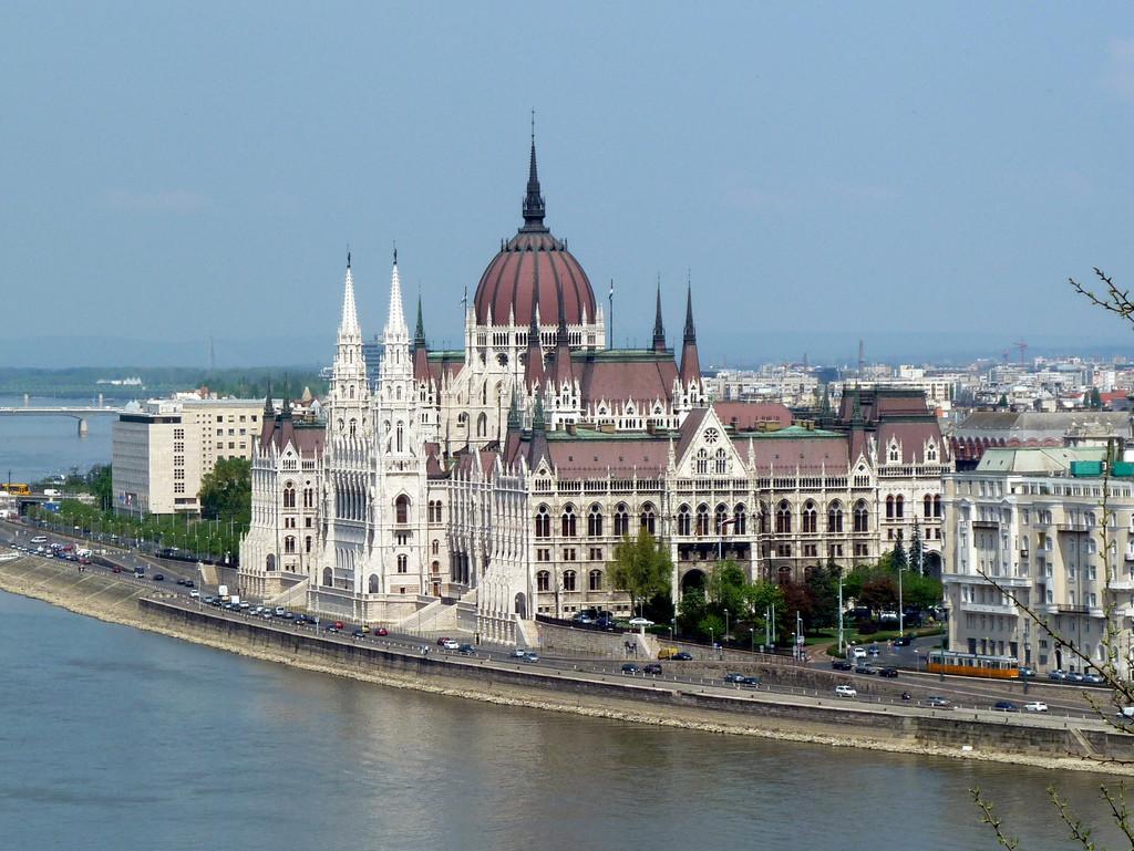 Парламент Венгрии. Фото © Flickr / Alistair Young