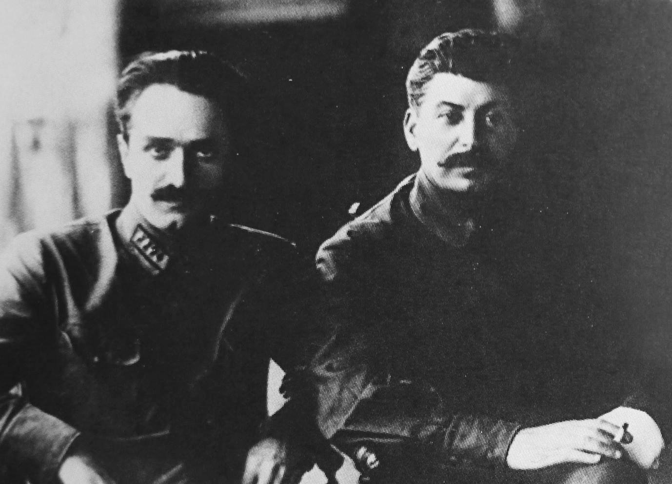 Анастас Микоян и Иосиф Сталин. Фото © Public Domain