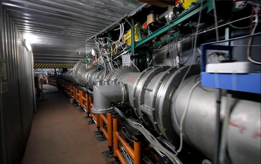 Первый сверхпроводящий синхротрон с тяжёлыми ионами. Фото © NICA