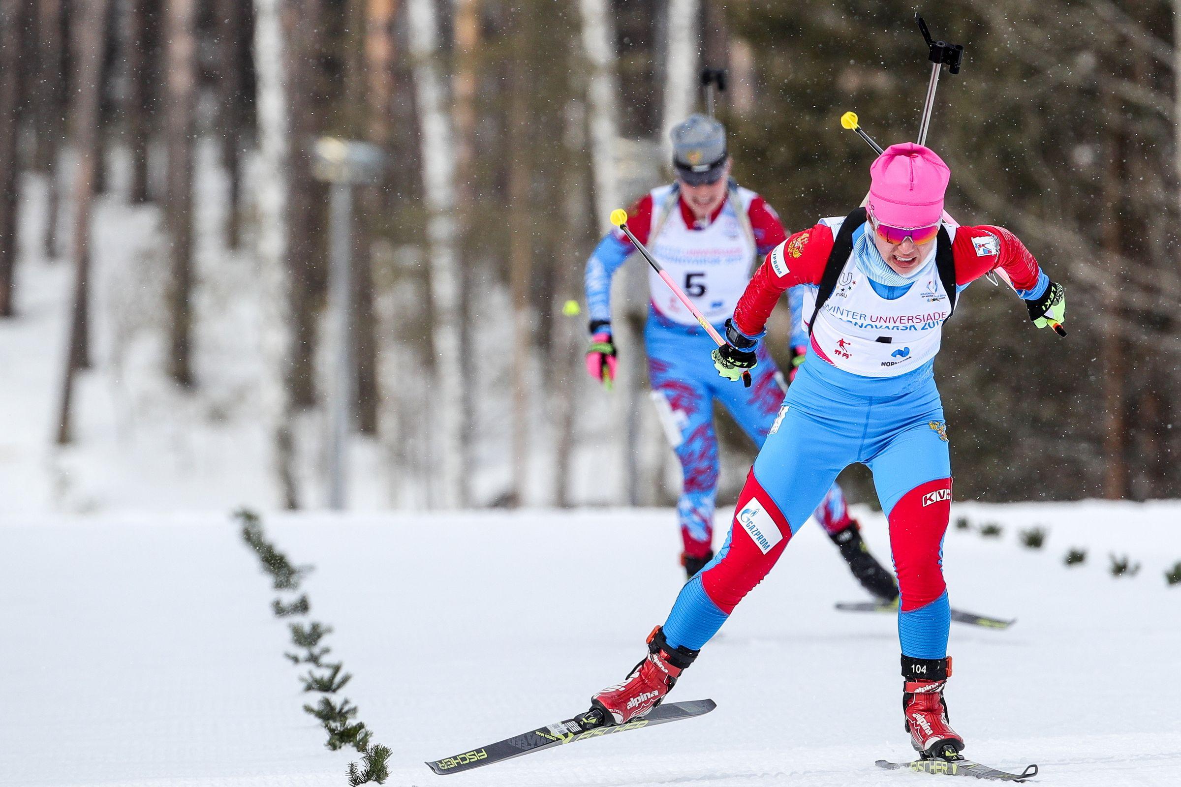 <p>Биатлонистка Елена Чиркова (на первом плане). Фото © ТАСС / Сергей Бобылев</p>