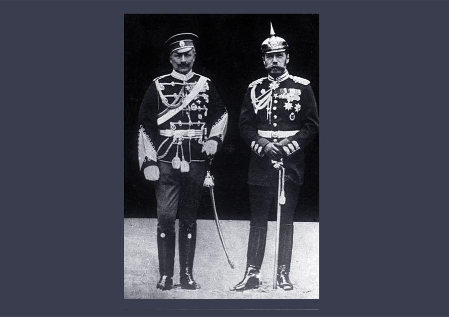 Кузены кайзер Вильгельм и император Николай обменялись формой для фото. Фото © Wikipedia