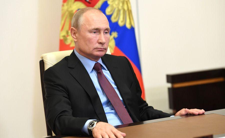 "<p>Фото © <a href=""http://kremlin.ru/events/president/news/63499/photos/63972"" target=""_blank"" rel=""noopener noreferrer"">Пресс-служба Кремля </a></p>"