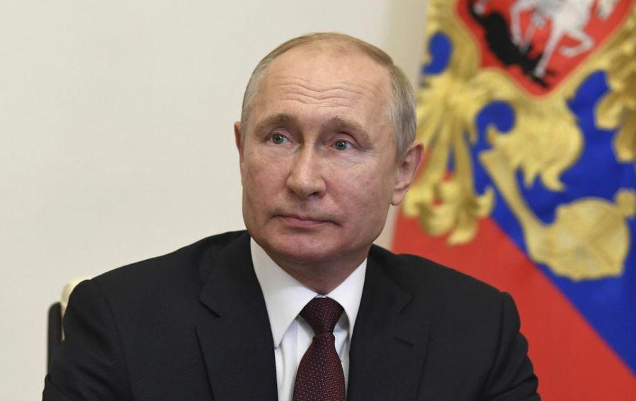 "<p>Фото © <a href=""http://kremlin.ru/events/president/news/63453/photos/63934"" target=""_blank"" rel=""noopener noreferrer"">Пресс-служба Кремля</a></p>"