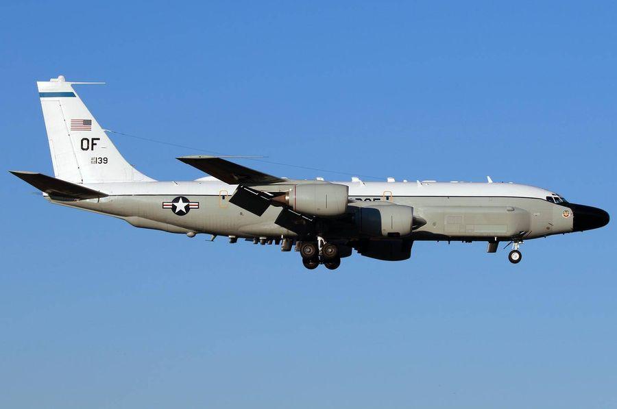 "<p>Фото © Airliners.net / <a href=""https://www.airliners.net/photo/USA-Air-Force/Boeing-RC-135W-717-158/4394299/L?qsp=eJwtjDEKAkEMRa8iqW1EsNhOSxtFvEBIPjq47gyZoA7L3t042D3e/7yZJE+Oj19bAQ1UwSZ3WlNh42elYaYH2jubBtMlveCrY06Tx6Vm80MLrezYi6A49O9PprDfhCq9dov6JgB27kzbXXhNtYzcG3BOIy3LF181MMk="" target=""_blank"" rel=""noopener noreferrer"">Mark Kwiatkowski</a></p>"