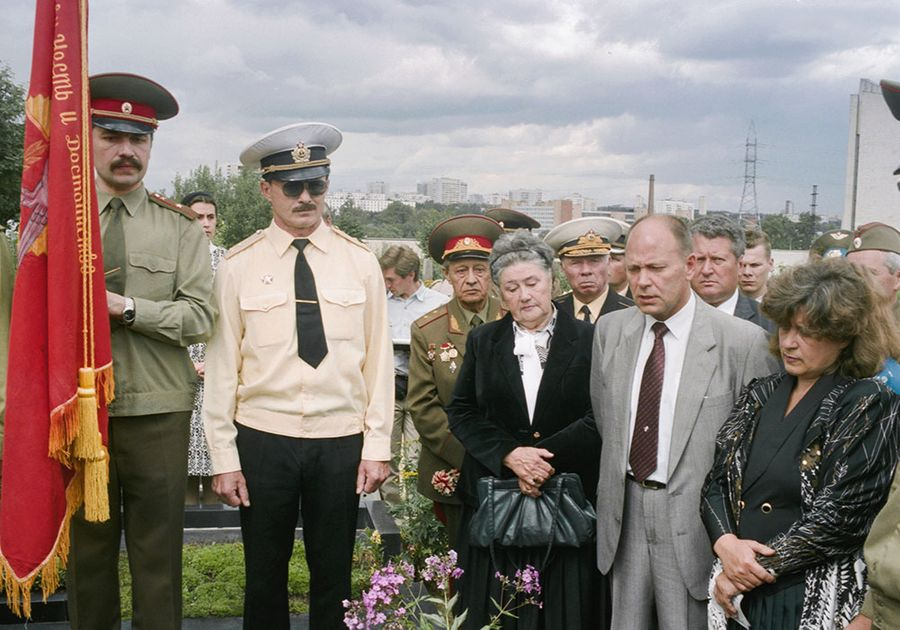 Траурная церемония у могилы маршала С. Ф. Ахромеева. Фото © ТАСС / Валентин Кузьмин