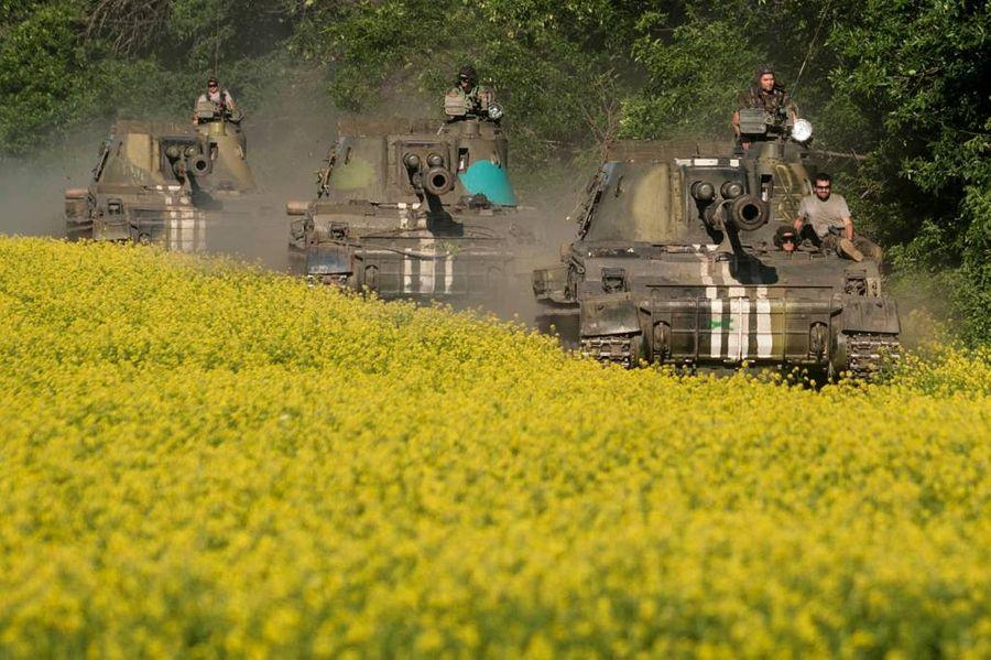 <p>Украинские военные в Донбассе. Фото © ТАСС / AP Photo / Evgeniy Maloletka</p>