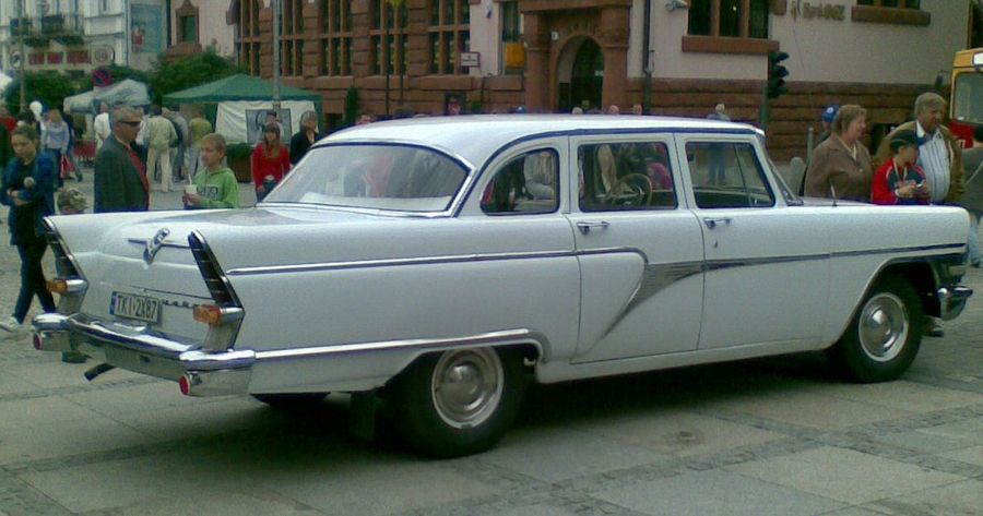 "ГАЗ-13 ""Чайка"". Фото © Wikipedia"