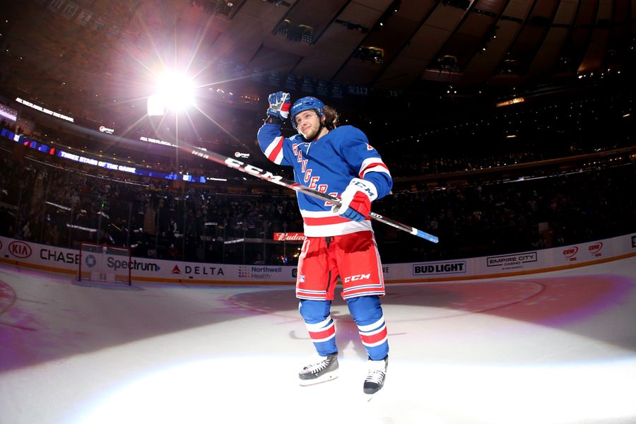 "<p>Фото © Twitter / <a href=""https://twitter.com/NYRangers/status/1285626460724756482?s=20"" target=""_blank"" rel=""noopener noreferrer"">NYRangers</a></p>"