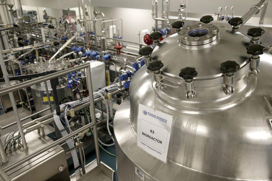 Биореакторы для выращивания клеток мяса. Фото © Quartz Media, Inc
