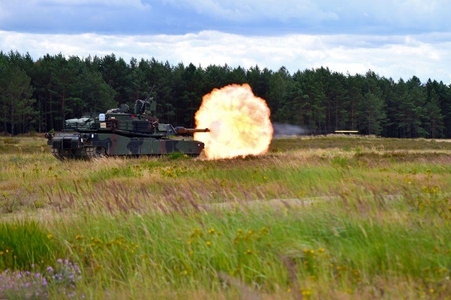 "<p>Танк M1 Abrams США. Фото © Twitter / <a href=""https://twitter.com/DVIDSHub/status/1285998040986251264/photo/1"" target=""_blank"" rel=""noopener noreferrer"">DVIDSHub</a></p>"