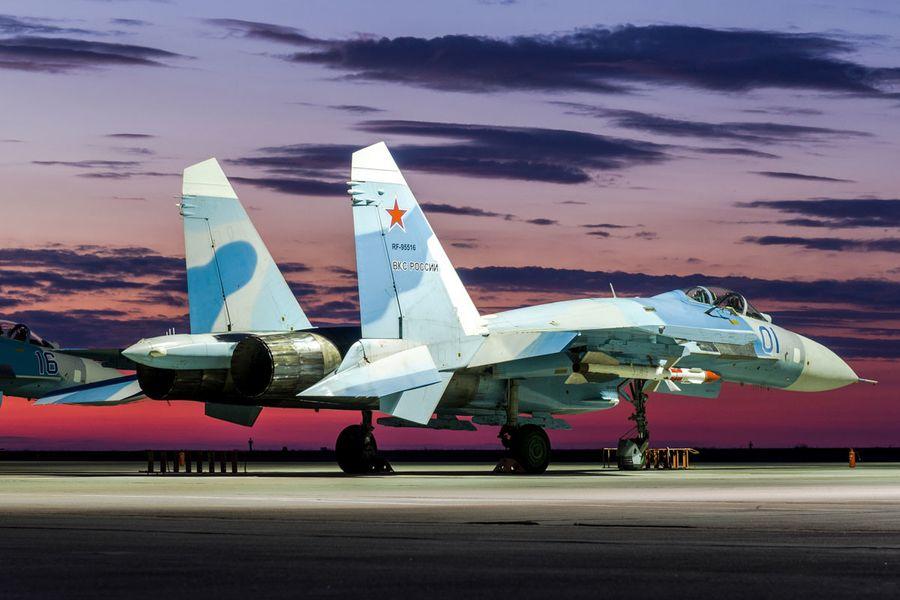 "<p>Истребитель Су-27 ВКС России. Фото © VK / <a href=""https://vk.com/mil?z=photo-133441491_456299229/album-133441491_00/rev"" target=""_blank"" rel=""noopener noreferrer"">mil</a> </p>"