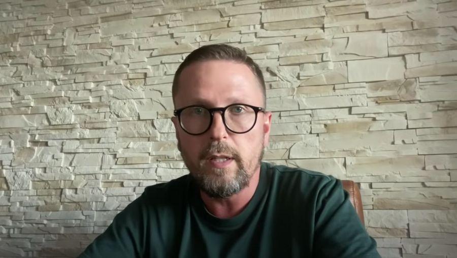 Кадр из видео YouTube / Анатолий Шарий