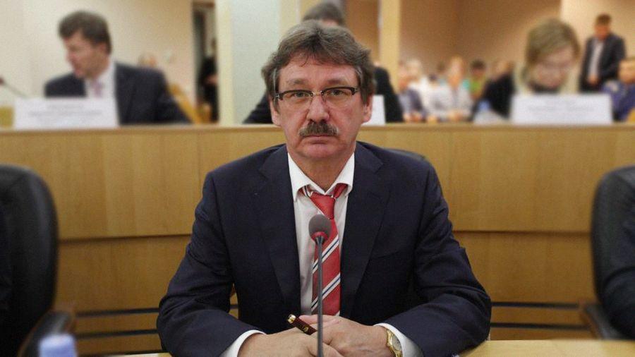"<p>Фото © <a href=""https://ugra-news.ru/article/deputat_evgeniy_barsov_iz_surguta_zadeklariroval_29_kvartir_i_10_samoletov/"" target=""_blank"" rel=""noopener noreferrer"">Ugra-news.ru</a></p>"