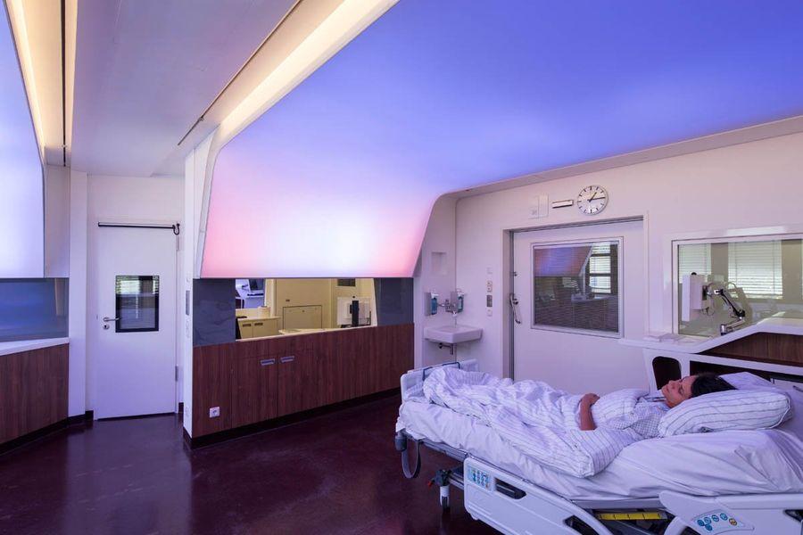"""Палата в клинике """"Шарите"""". Фото © Docland"""