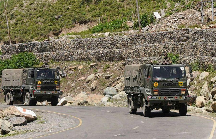<p>Индийские военные на границе с Китаем. Фото © EPA / ТАСС</p>