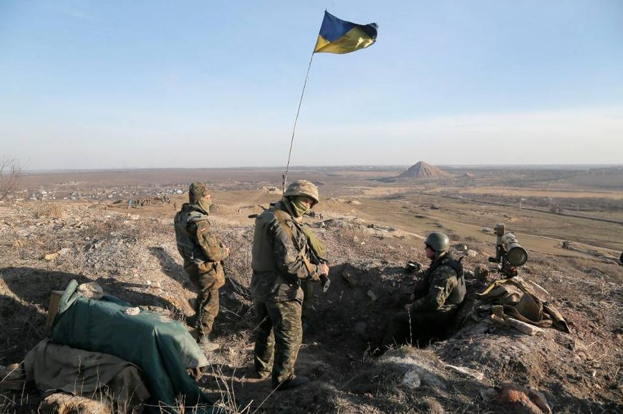 <p>Украинские военные. Фото © ТАСС / AP Photo / Efrem Lukatsky</p>