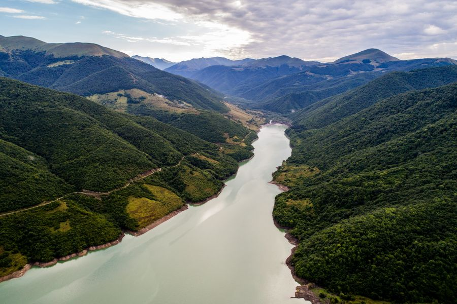 <p>Южная Осетия. Вид на Зонкарское водохранилище. Фото © ТАСС / Сергей Бобылев</p>