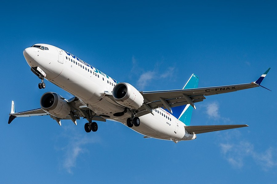 "<p>Фото © <a href=""https://ru.wikipedia.org/wiki/Boeing_737_MAX#/media/%D0%A4%D0%B0%D0%B9%D0%BB:WS_YYC_737_MAX_1.jpg"" target=""_blank"" rel=""noopener noreferrer"">Wikipedia</a></p>"