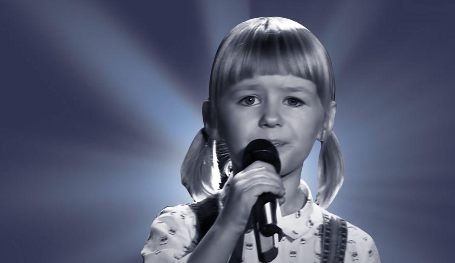 "<p>Коллаж ©LIFE. Фото ©YouTube / <a href=""https://www.youtube.com/channel/UCXBIIbGe37lKXFHdM050f2w"" target=""_blank"" rel=""noopener noreferrer"">The Voice Kids Russia/Голос Дети</a></p>"