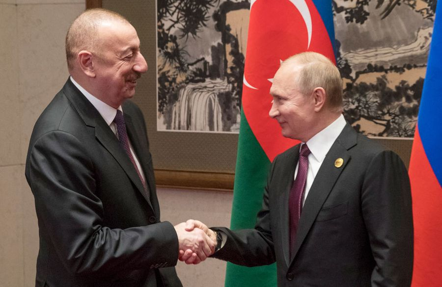 <p>Президент Азербайджана Ильхам Алиев и президент России Владимир Путин. Фото © ТАСС / EPA / SERGEI ILNITSKY</p>