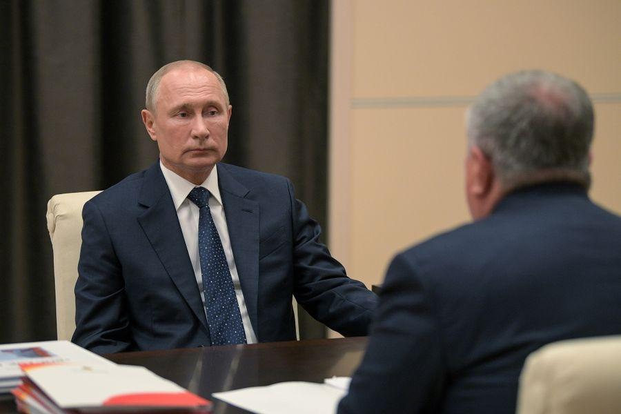 <p>Владимир Путин и Игорь Сечин. Фото © ТАСС / Дружинин Алексей</p>