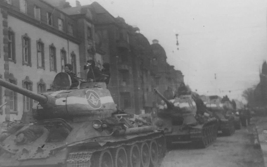 Боевые будни гвардейцев-танкистов Бабаджаняна. Фото © Минобороны РФ