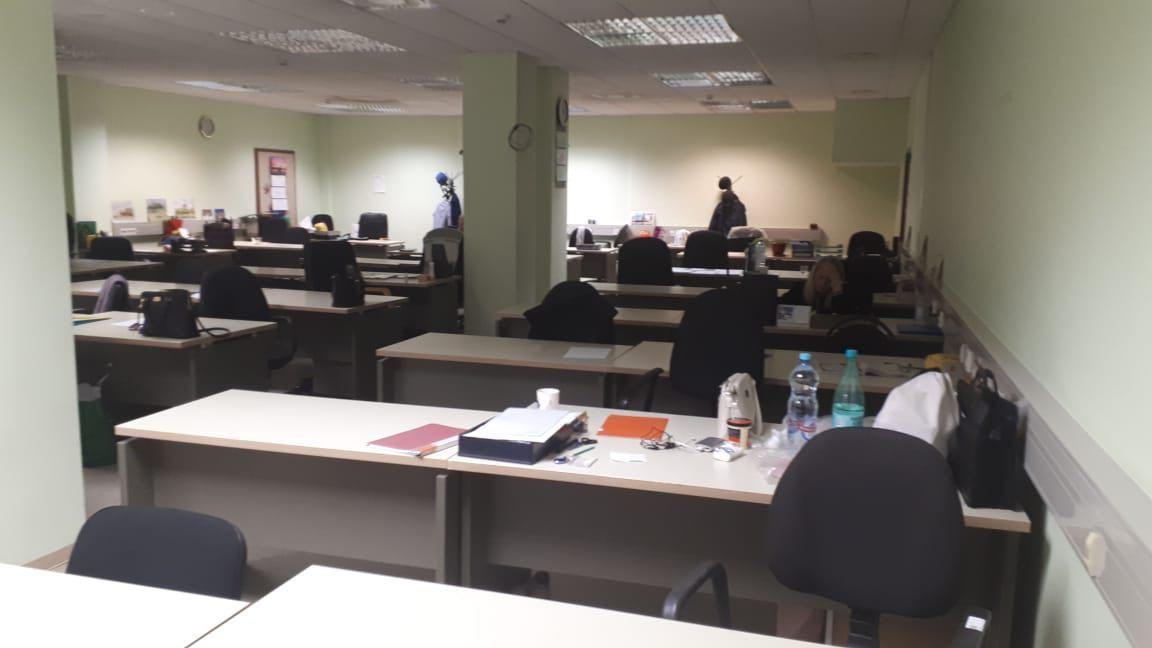 """Вот так выглядят рабочие места """"сосланных"""" сотрудников. Фото со страницы профсоюза Банка России"""