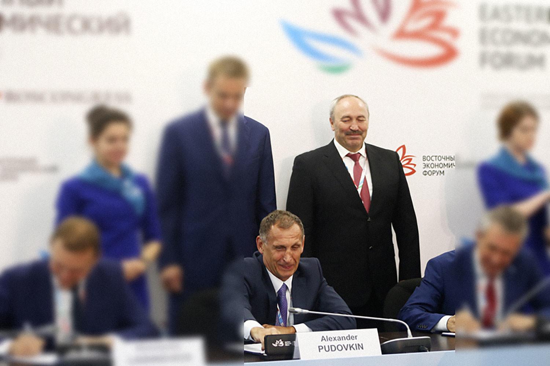 Александр Пудовкин (слева) и Василий Шихалев. Фото © ТАСС / ВЭФ