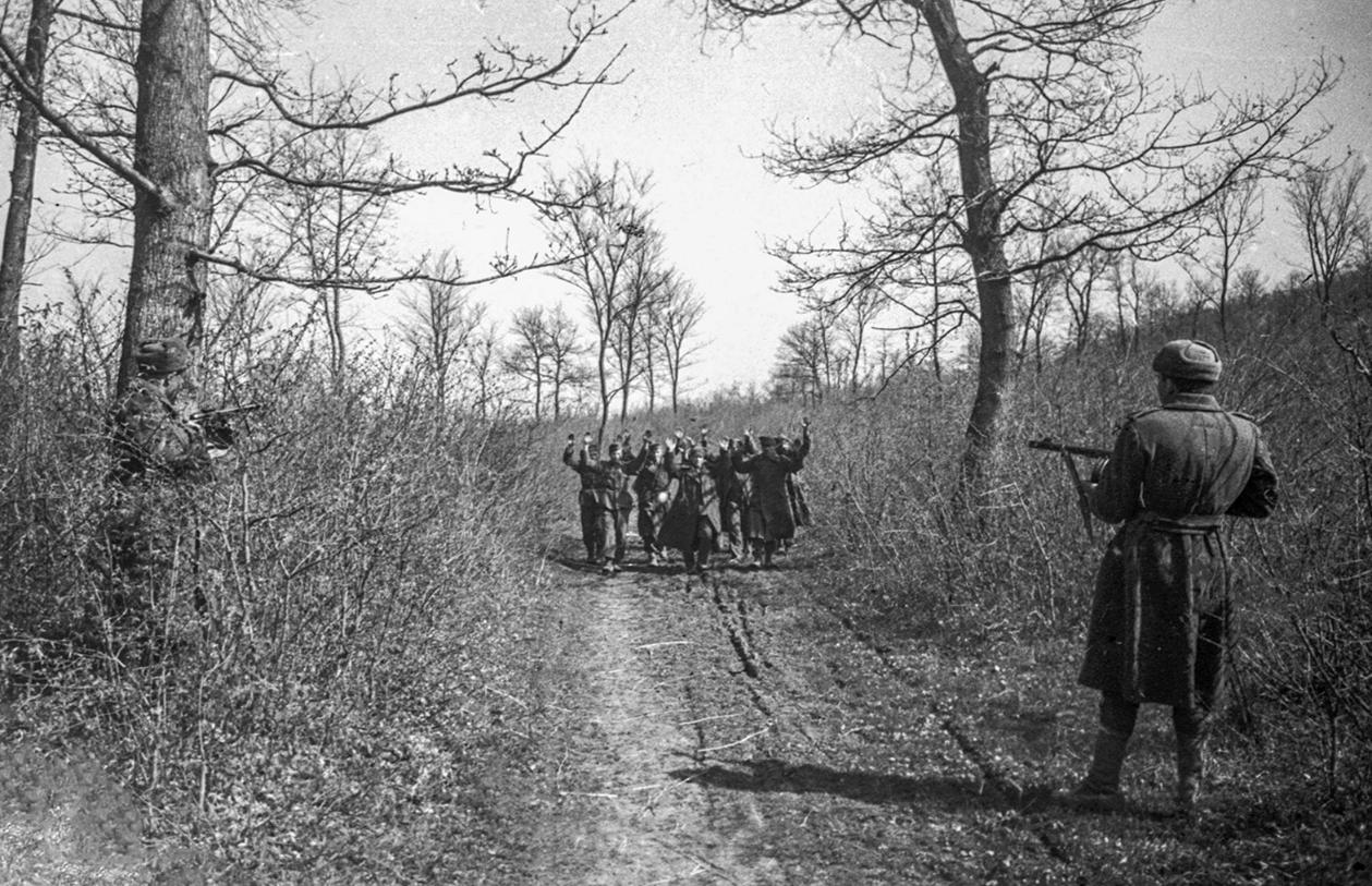 С 22 июня 1941 года по 8 мая 1945 года советские военные взяли в плен 4,37 млн служащих армии противника. Фото: Минобороны РФ