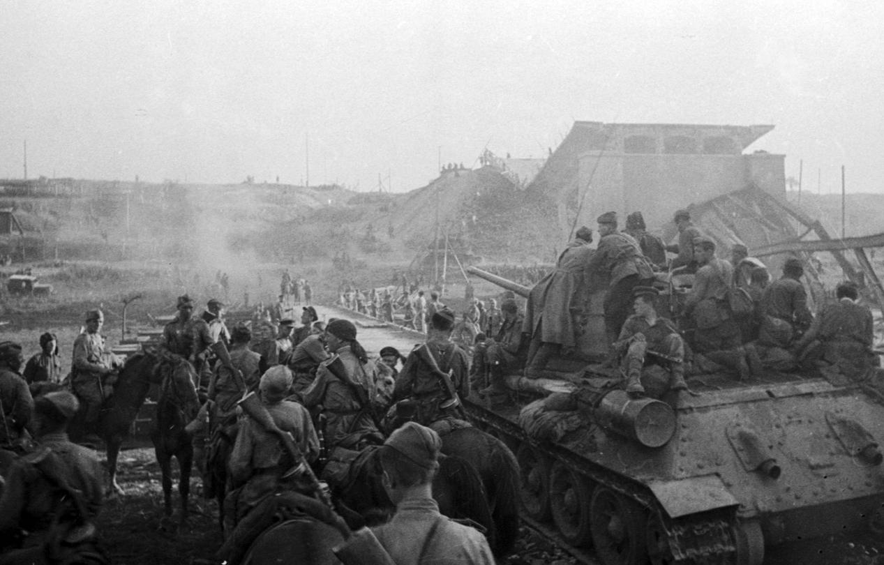 В артиллерии и танках — в четыре раза. Фото: Минобороны РФ